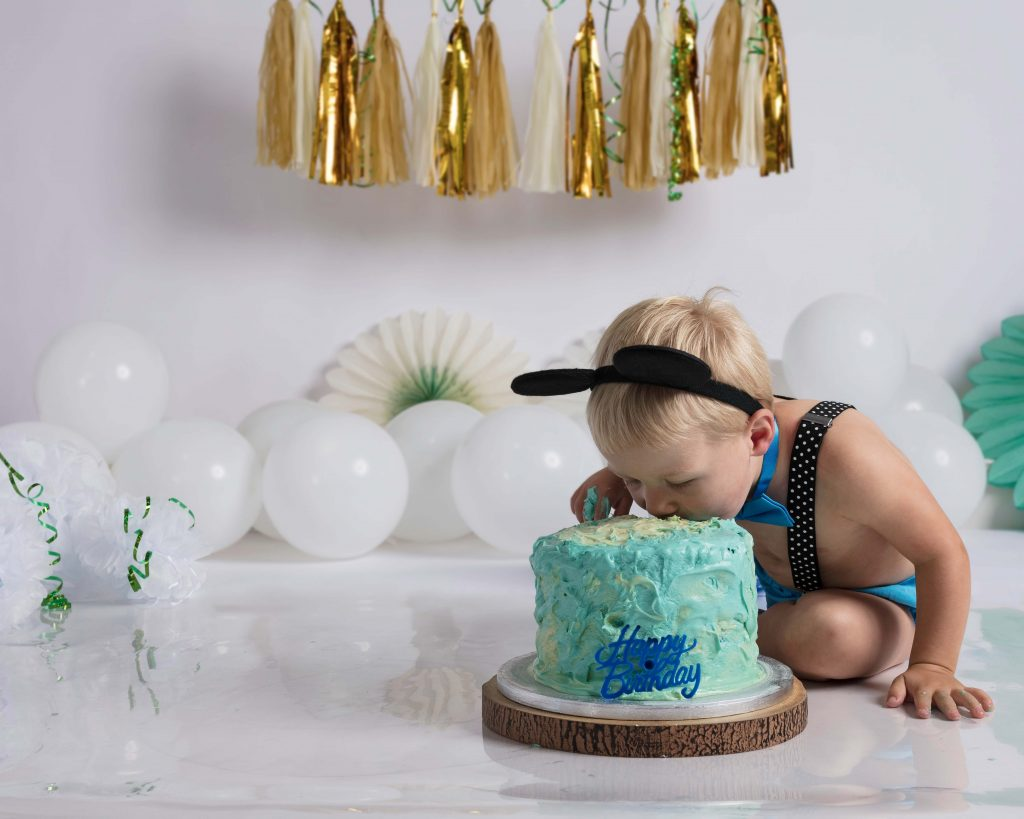 Cake smash for 2-year old